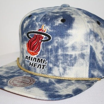 New Mitchell & Ness Blue Acid Wash Denim Snapback Hat Cap (NBA Miami Heat)