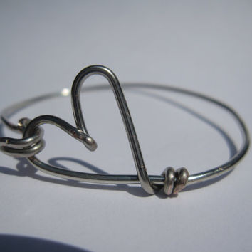 Hear Wire Bangle Bracelet