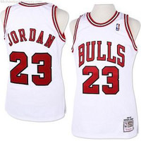 Chicago Bulls Michael Jordan Throwback #23 Home Jersey