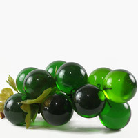 Vintage Lucite Grape Cluster, Green Grapes, Emerald, Mid Century Modern, Grapes on Stem