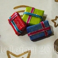 Set of 3 - Christmas Presents - One Inch Scale - Series 1