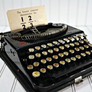 Vintage Portable Remington Typewrit.. on Luulla
