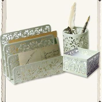 METAL LACE ROSE DESK ACCESSORIES