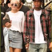 Kylie Jenner & Tyga Head Out on Day Three of NYFW | kylie jenner tyga head out day three nyfw 01 - Photo