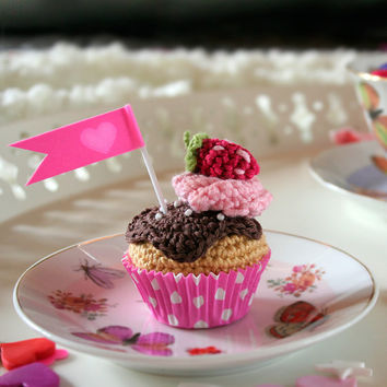 Chocolate and strawberry, crochet mini cupcake. With gift box.