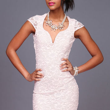 SWEETHEART PLUNGE LACE DRESS