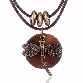 Woman fashion choker necklace Dragonfly wooden pendant