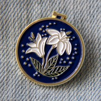 Embroidery Hoop Flowers Enamel Pin