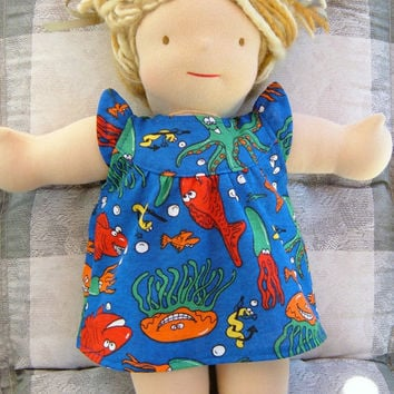 Waldorf doll dress - Bamboletta 15/16 inch clothes clothing flutter summer dress cotton knit blue sea - Robe pour poupée