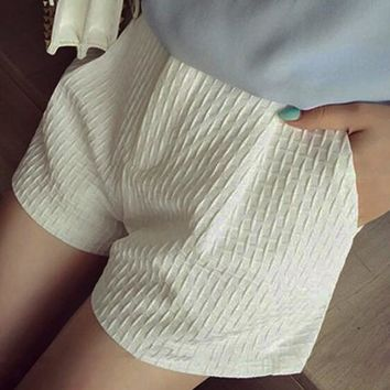 White Plaid Pockets Zipper Sewing Mid-rise Casual Loose Shorts