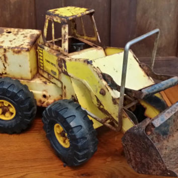 Vintage Yellow Rusty Crusty Tonka Toy Front End Loader Bull Dozer Truck Fun Decor Piece