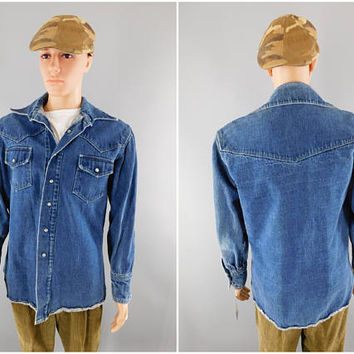 1970s Vintage / Denim Blue Western Shirt / Denim Jacket / Shirt Jacket / Pearl Snap Buttons / Scalloped Shoulders / Size L 42-44