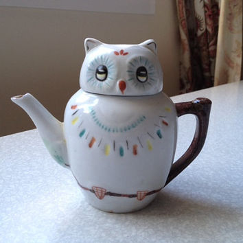 1950s Vintage Owl Teapot - cratersidesupplies on Etsy