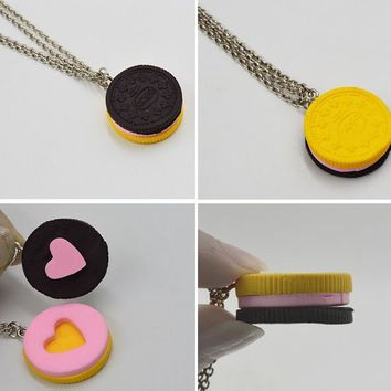 2pcs/set  Resin Black Chocolat Cookie Necklace Puzzle Food Design Men Women Best Friend BFF Forever Friendship Lover Gifts