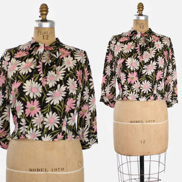 60s BLACK DAISY Print BLOUSE / Silky 1960s Bold Floral Print Cropped Bow Top