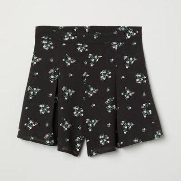 Patterned Shorts - Black/floral - Ladies | H&M US