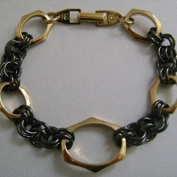 "Designer PIERRE CARDIN 2-Tone Colors Goldtone & Pewter/Gunmetal Different Styles Link Chain Trendy Fashionable Bracelet 7"" Long Weight 16.4g"