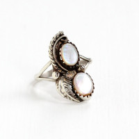 Vintage Sterling Silver Pink Mother Of Pearl Ring - Retro Size 6 1/2 Southwestern Native American Style Leaf Studded Boho Jewelry