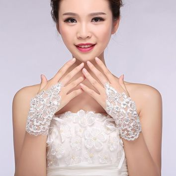 Elegant Lace Yarn White Fingerless Wrist Glove Fashion New Arrival Bride White Lace Short Women Accessories