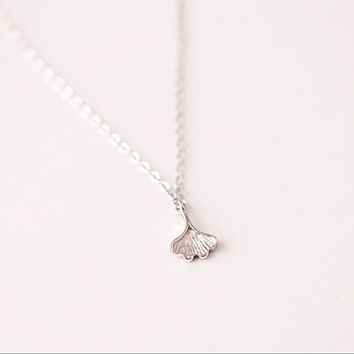 925 sterling silver chain of clavicle (ginkgo leaf necklace), delicate and special gift, 925 sterling silver necklace