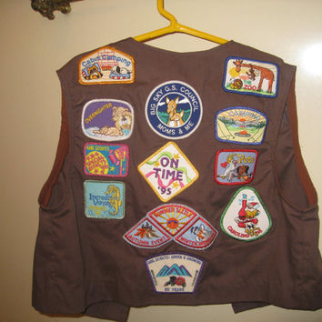 Brownie Girl Scout Vest Badges Patches Pins Retro Girls Clothing Costume Collectible