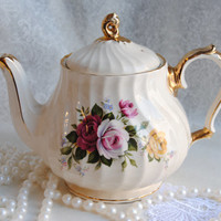 Beautiful Shabby Chic/SADLER/Vintage Tea Pot/ Made in England/Large Size