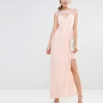 Elise Ryan | Elise Ryan Sweetheart Maxi Dress With Eyelash Lace Trim at ASOS