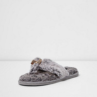 Grey fluffy bow flip flop slippers