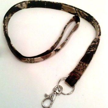 Lanyard Badge - Camo Camouflage MOSSY OAK Hunting Hunter - Fabric ID Fashion Accessory Necklace