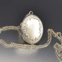 Wonderful Engraved Silver Sweetheart Locket Necklace