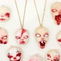 Spooky Starchild Dollface Necklace / gold