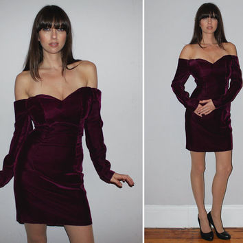 Vintage 80s OFF THE SHOULDER Velvet Dress / Shiny Eggplant Purple / Sweetheart Neckline / Sexy, Party, Cocktail, New Years, Holiday / Small