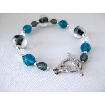 Frozen waters - Glass Beaded Bracelet - Swarovski Crystals - Heart Toggle Clasp