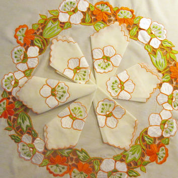 Vintage Fall Flowers Tablecloth, 80 in Round, 6 Matching Napkins, White Background, Applique Embroidered Flowers, Cutwork Border,