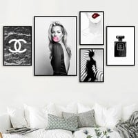 Paris Perfume Sexy Bubble Girl Wall Art Canvas Painting Nordic Posters And Prints Pop Art Salon Wall Pictures For Living Room