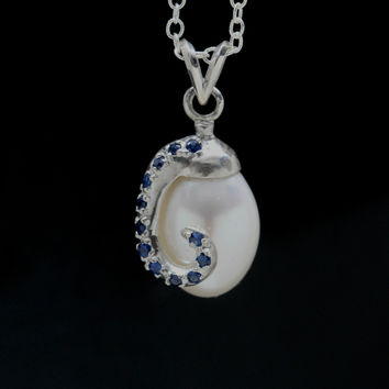 Octopus tentacle sapphire pearl necklace
