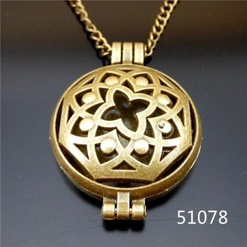 1pc/pack Aromatherapy photo frame Essential Oil Diffuser Lockets Pendants For Perfume Hollow China Unique Design Necklace+Pad