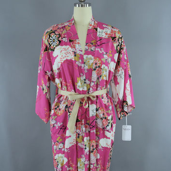 Vintage 1950s Kimono Robe / 50s Wrapper Flapper Dressing Gown / Bright Pink Asian Print