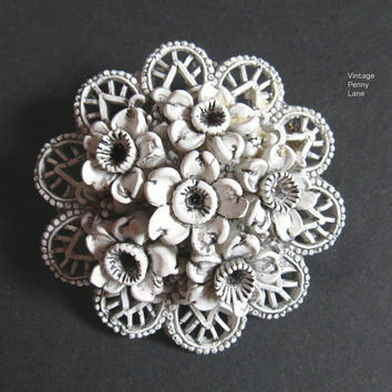 Vintage Celluloid Flower Brooch / Pin, Vintage Costume Jewelry / Jewellery