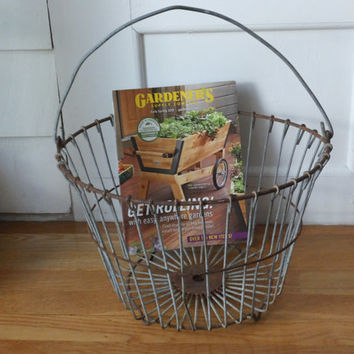 Metal Clam Basket - Rustic Metal Wire, Harvest Bucket, Primitive Design, Magazine Holder, Home Accessory, Towel Storage, Clamming Bucket