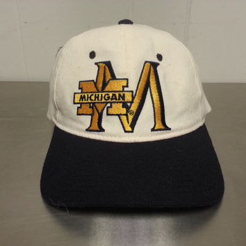 Vintage Michigan University Starter Fitted Hat NCAA Football Basketball Minimal Throwback Logo Size 1 6 5/8 – 7 1/8