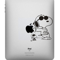Snoopy -- iPad Decal iPad Sticker Art Vinyl Decal for Macbook Pro / Macbook Air / iPad 1 / iPad 2 / iPad 3/iPad 4/ iPad mini