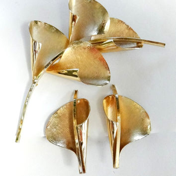 Calla Lily Brooch Earrings Set Vintage Art Brooch