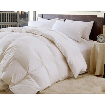 HIGH QUALITY-DOWN AND FEATHER- 95/5 YEAR ROUND - COMFORTER