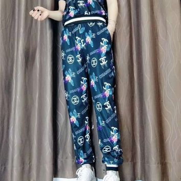 """Gucci"" Women's Leisure  Fashion Letter Printing  Short Sleeve Trousers Two-Piece Casual Wear"