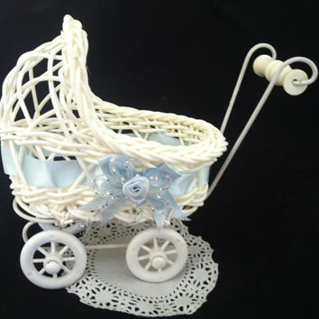 Baby Shower, Baby Shower Decorations, Baby Shower Carriage, Twins Baby Shower, Baby Shower Carriage, Girls Baby Shower, Vintage Carriage