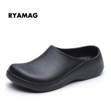 Ryamag New Men's Chef Kitchen Working Slippers Clogs Men Garden Shoes Summer Breathable Beach Flat With Shoes Mules  EVA