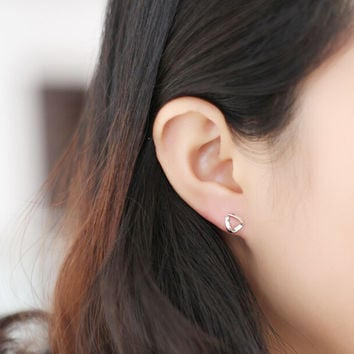 The new 925 Sterling Silver all-match (Korean version of simple twisted ring Triangle Earrings)