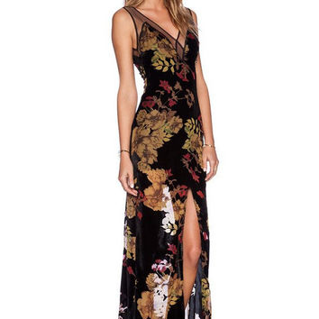Black Flora Print l Chiffon Maxi Dress
