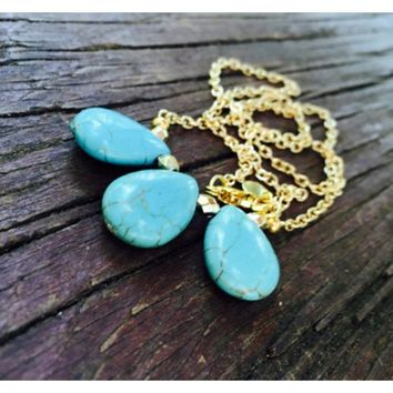Big chest Turquoise Teardrop Bead Pendant Necklace